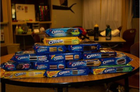 We decided to try 14 different flavors of Oreo