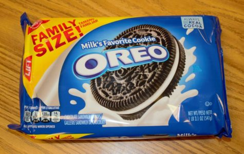 The good ol' regular Oreo is a classic with great creamy flavor and hard chocolate cookie. The regular Oreo was a good balance of sweetness in the cream and more savory with the cookie. A solid 7/10